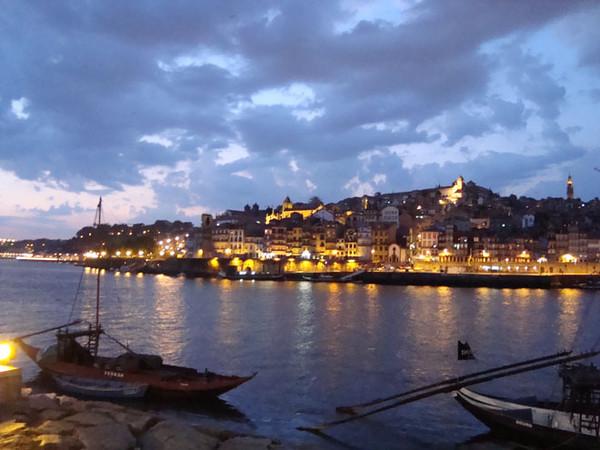 Porto's Ribeira at night
